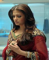 Pregnant Aishwarya is angry with the Media