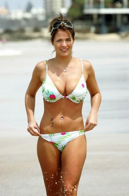 BH - TI: Gemma Arterton Hot English actress 2013 Monica Bellucci