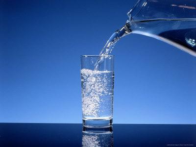 Image result for lelaki minum air