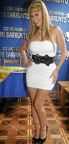 Maribel Velarde en la cevichería Mi Barrunto