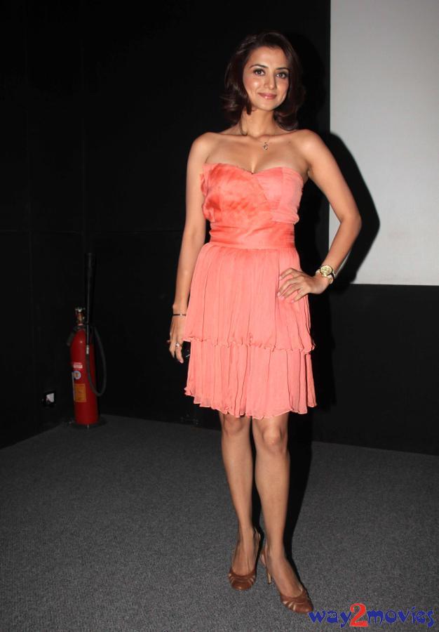 Indian Beautiful Celeb Kulraj Randhawa