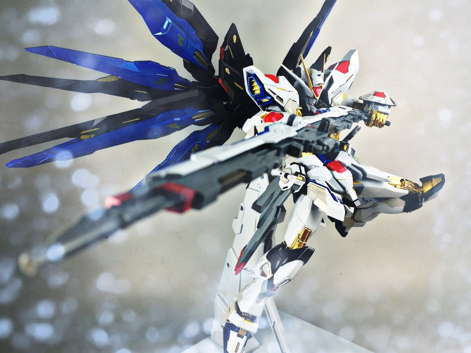 GUNDAM GUY: Metal Build Strike Freedom Gundam - Review Images
