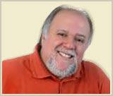 """O CD """"Paradoxo"""" é apresentado pelo pastor, músico e compositor Nelson Bomilcar."""