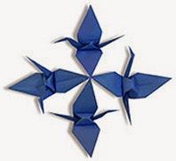 Kiểu thứ nhất: Đàn hạc giấy gồm 4 con xếp vòng quanh.
