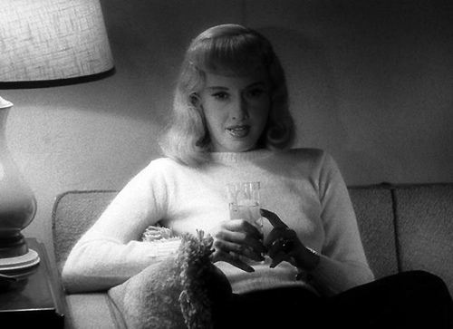 Barbara Stanwyck Double Indemnity 1944 movieloversreviews.blogspot.com