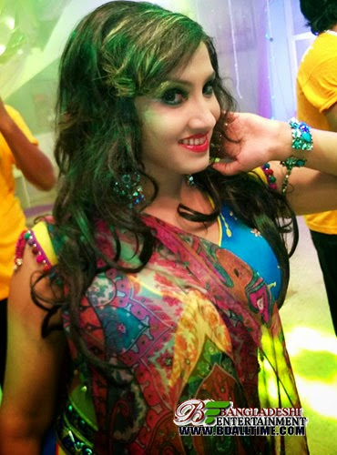 Actress and item girl Sadia Afrin picture and photo