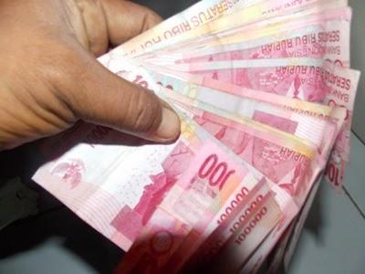 Gara-gara Ban Bocor, Uang Ratusan Juta Melayang