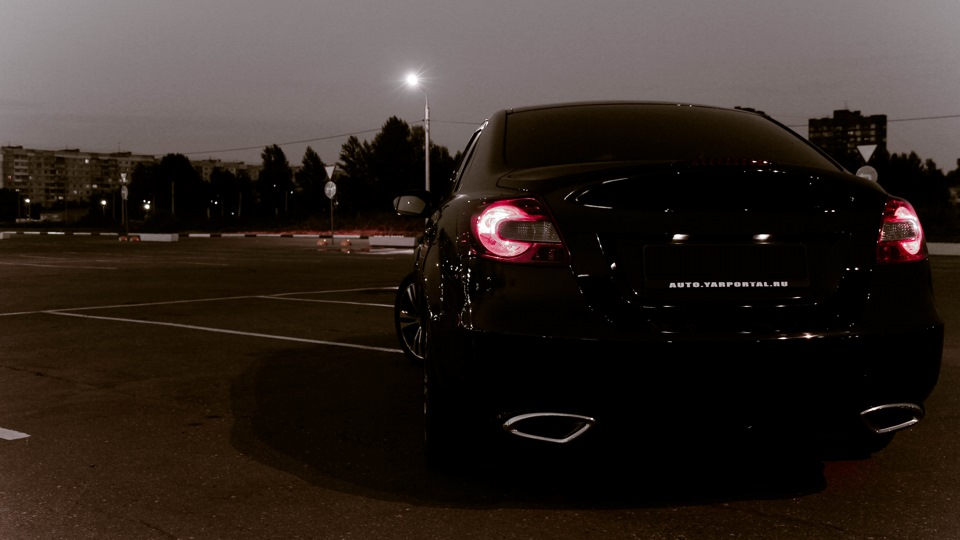 Suzuki Kizashi, nocna fotografia, samochody nocą, auta po zmroku, wieczorem, mrok, japońskie, motoryzacja, JDM, tuning, zdjęcia, photos, at night, cars, photography, 夜間撮影
