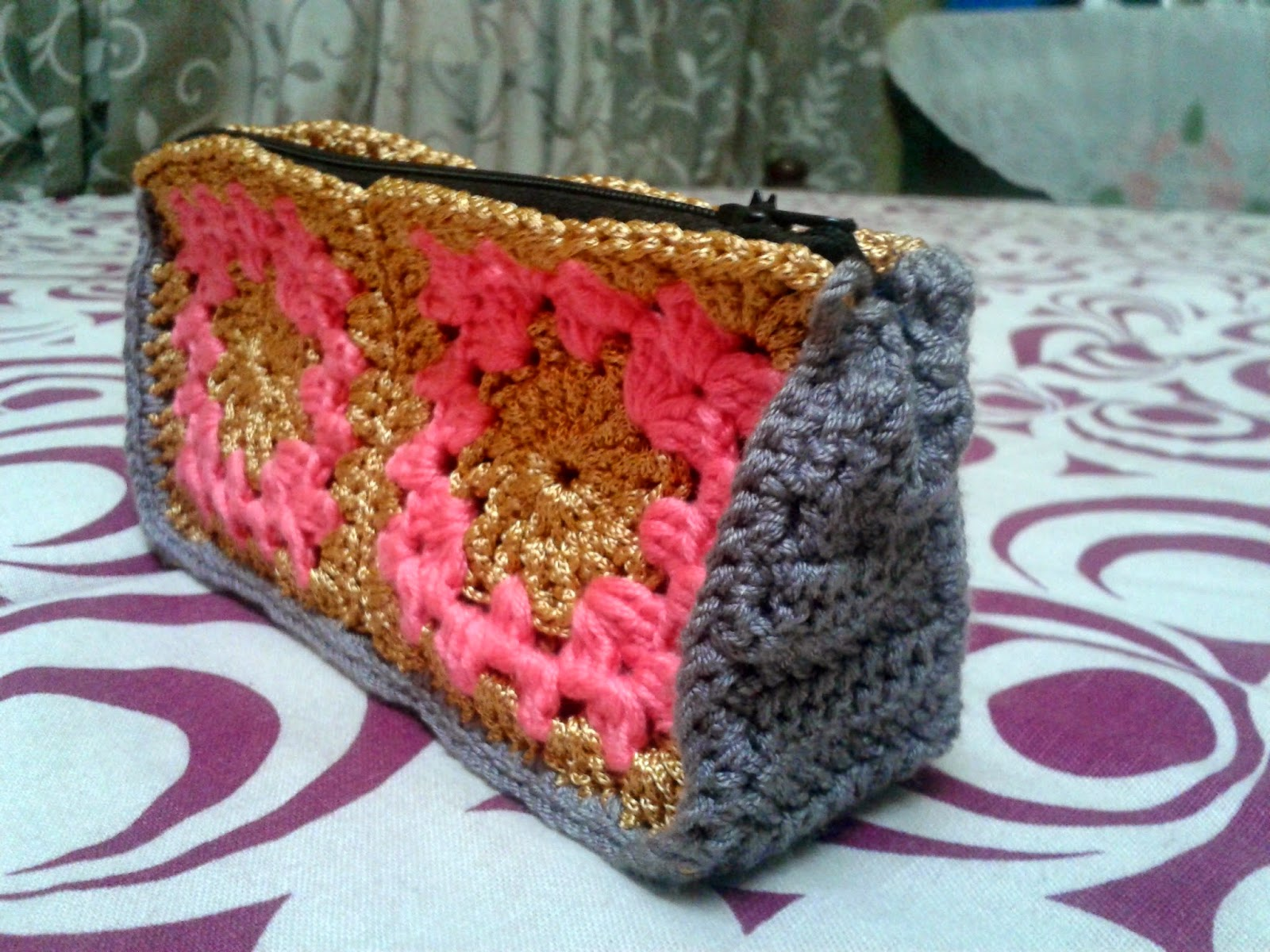 crochet purse / granny square designs