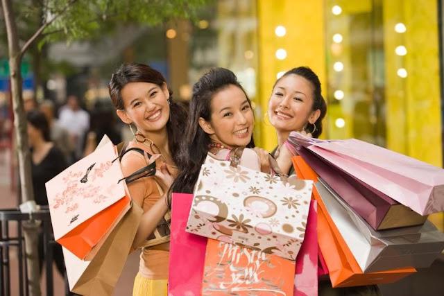 Китайские шопинг-туры: туристы из КНР опустошают прилавки Хабаровска! Видео