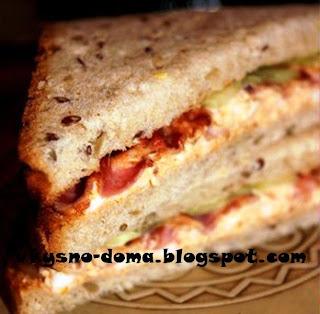 Яичные сэндвичи с беконом