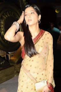 Shruti Hassan Picture in Saree