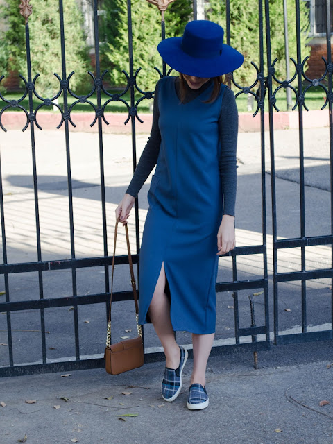 diyorasnotes_blog_blogger_fashion_blogger_blue_dress_hat_asos_river_island_fall_autumn_turtleneck_slipon