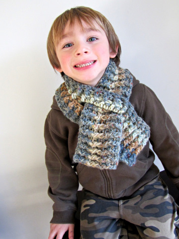Crochet Scarf Pattern Child : Moose Mouse Creations: A Childs Scarf: Crochet Pattern