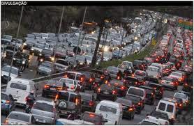 Você aproveita seu tempo no trânsito engarrafado