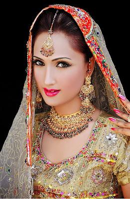 Bridal+dresses+in+pakistan+2011+3.jpg  (261×400)