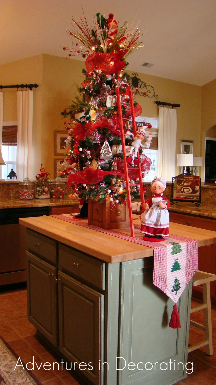 adventures in decorating whimsical christmas kitchen. Black Bedroom Furniture Sets. Home Design Ideas