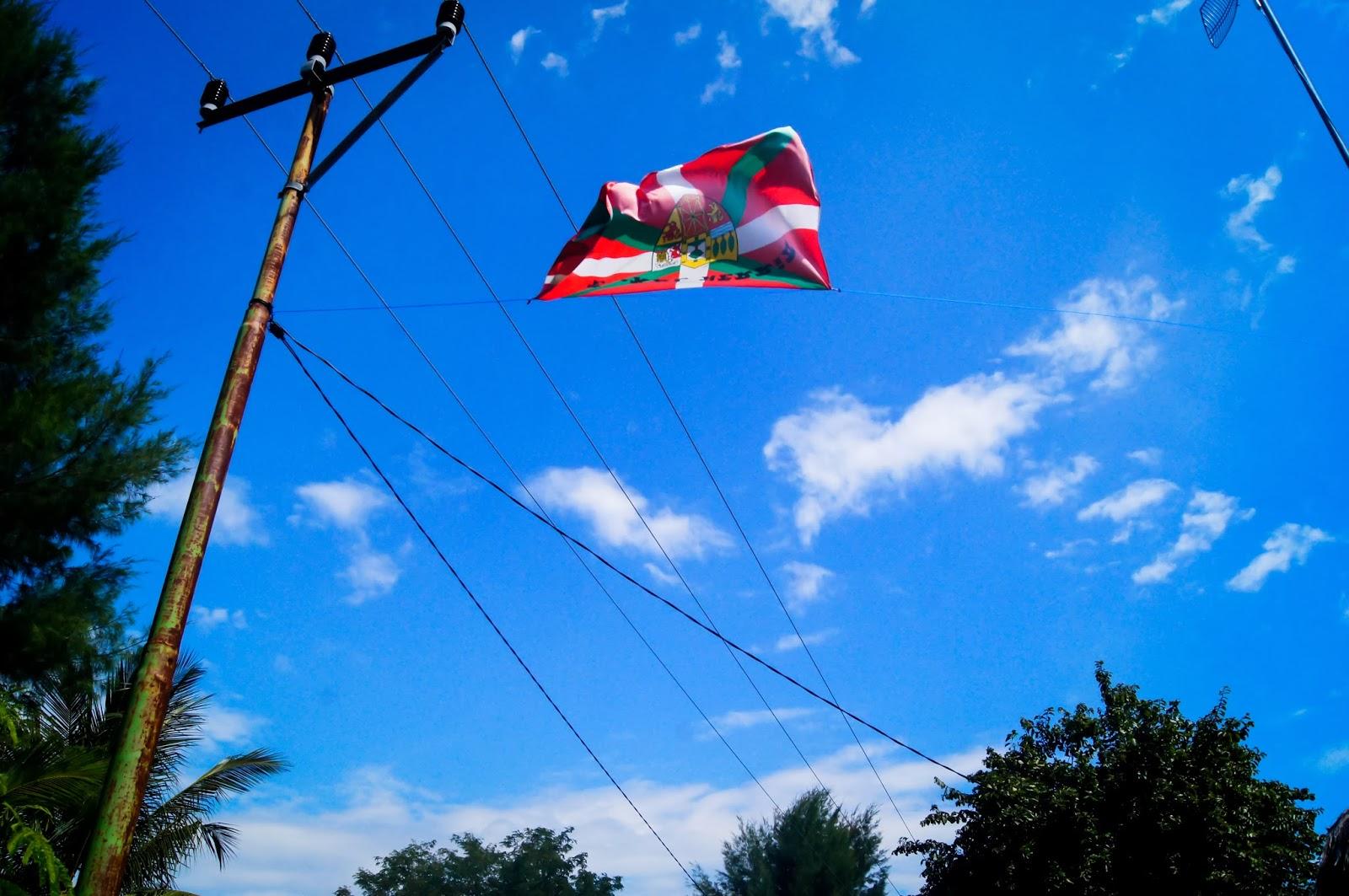 ikurriña en Indonesia