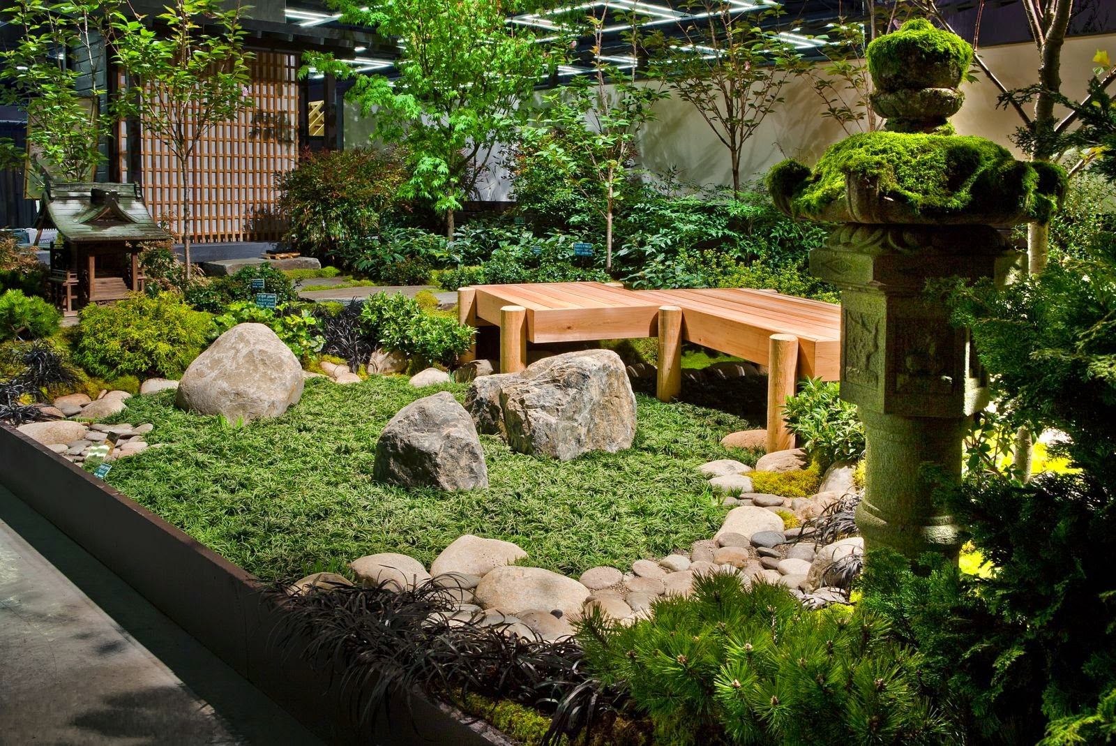 Japanese style garden in the house an attractive