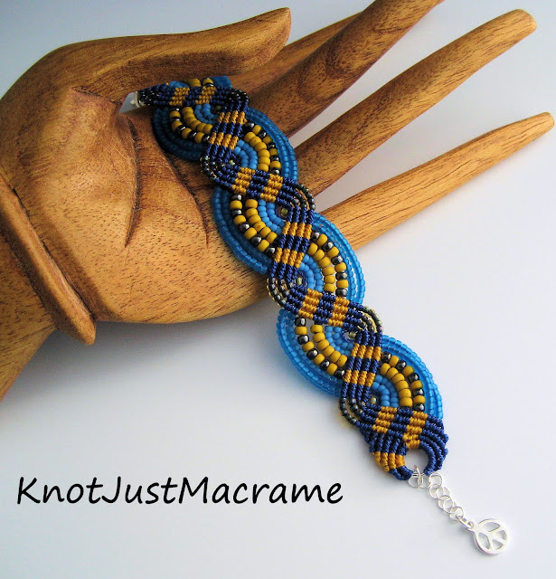 Finished micromacrame bracelet in blue, mustard and gray grey
