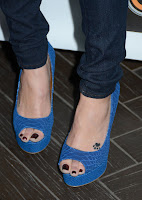 Laura Marano Feet http://celebrity-feet-close-up.blogspot.com/2012/07/laura-vandervoort-feet.html
