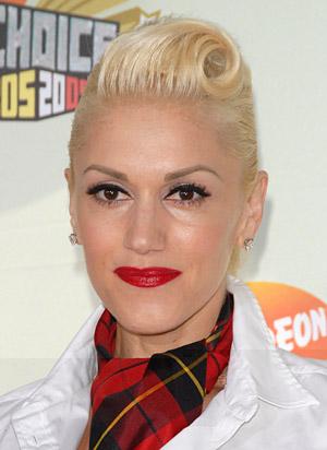 Gwen Stefani Twist & Roll hairstyle.