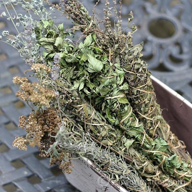 http://gardenmatter.com/diy-fragrant-firestarters/