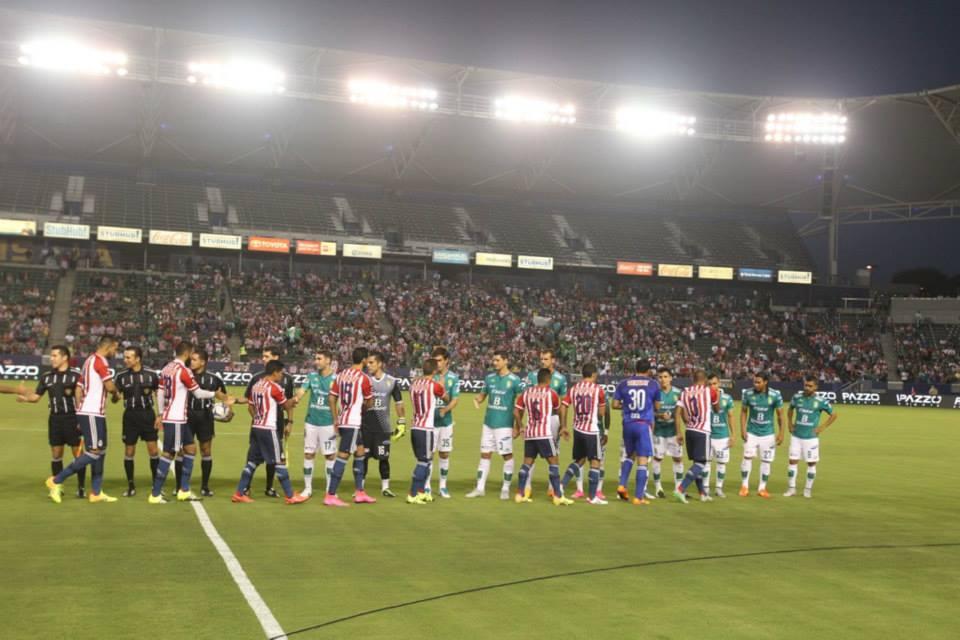 Chivas y León igualan en territorio estadounidense.