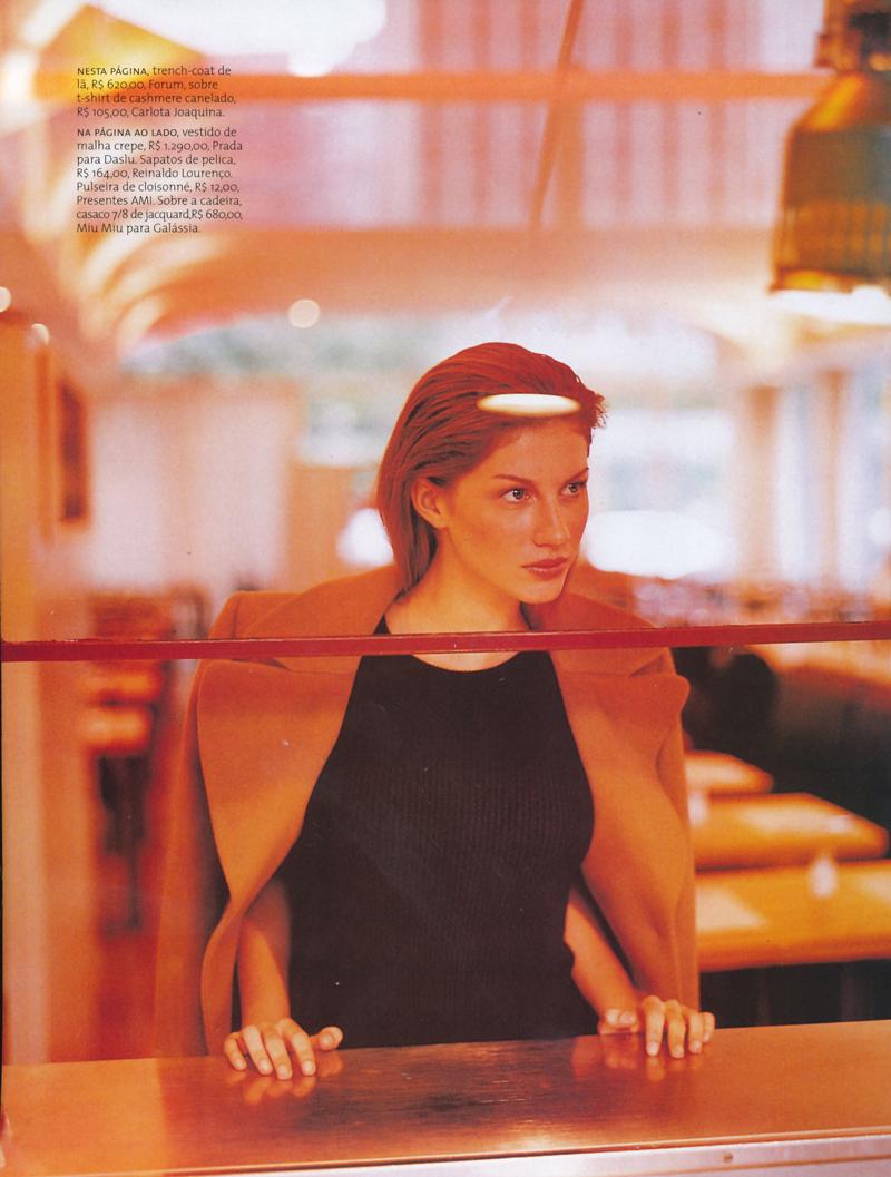 Gisele Bundchen in Instante urbano / Vogue Brazil June 1997 (photography: Gui Paganini)
