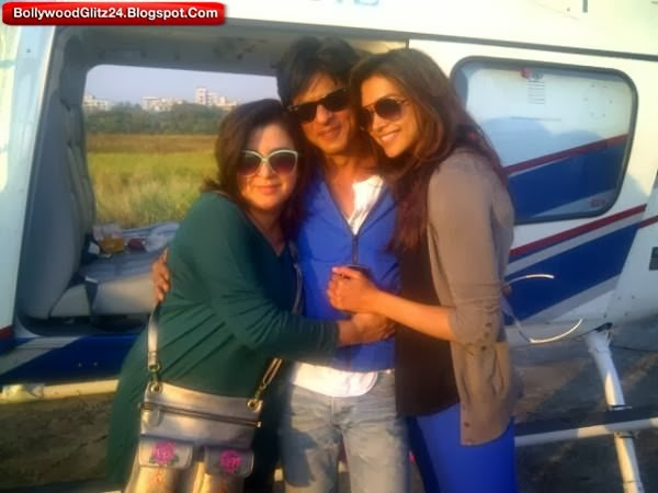 Shahrukh khan with Deepika and Farah Khan