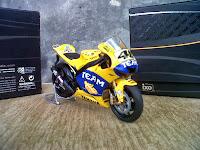 Valentino Rossi - YZR-M1 2006 diecast miniatur