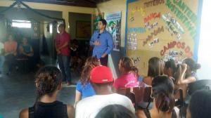 Delegado profere palestra sobre drogas e contempla 70 adolescentes