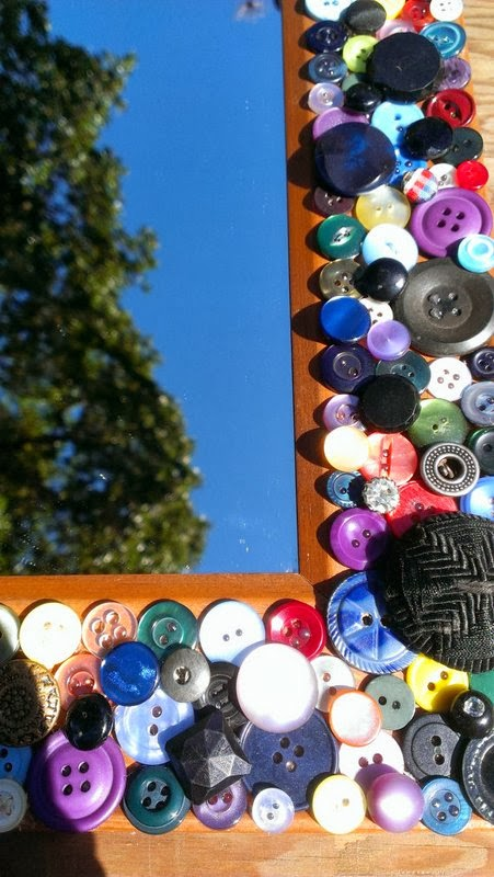 https://www.etsy.com/listing/160368620/multi-color-vintage-button-decorative?ref=favs_view_2
