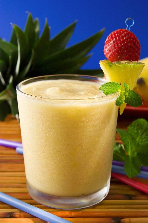 how to make a tropical fruit smoothie