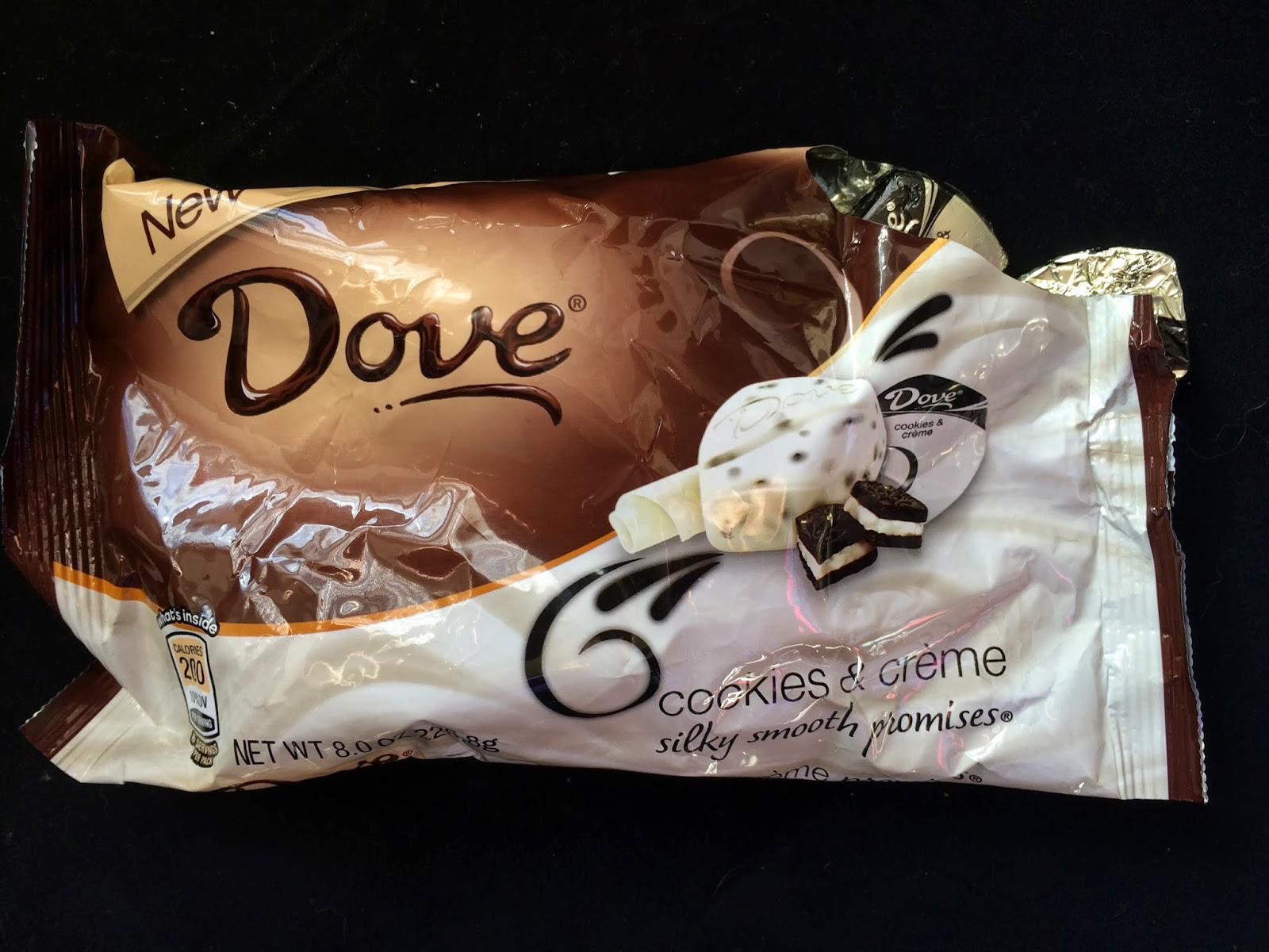 Obsessive Sweets: New Dove Chocolate Cookies & Creme Bites