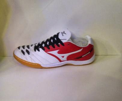 sepatu futsal Mizuno putih kombinasi,sepatu Mizuno murah.