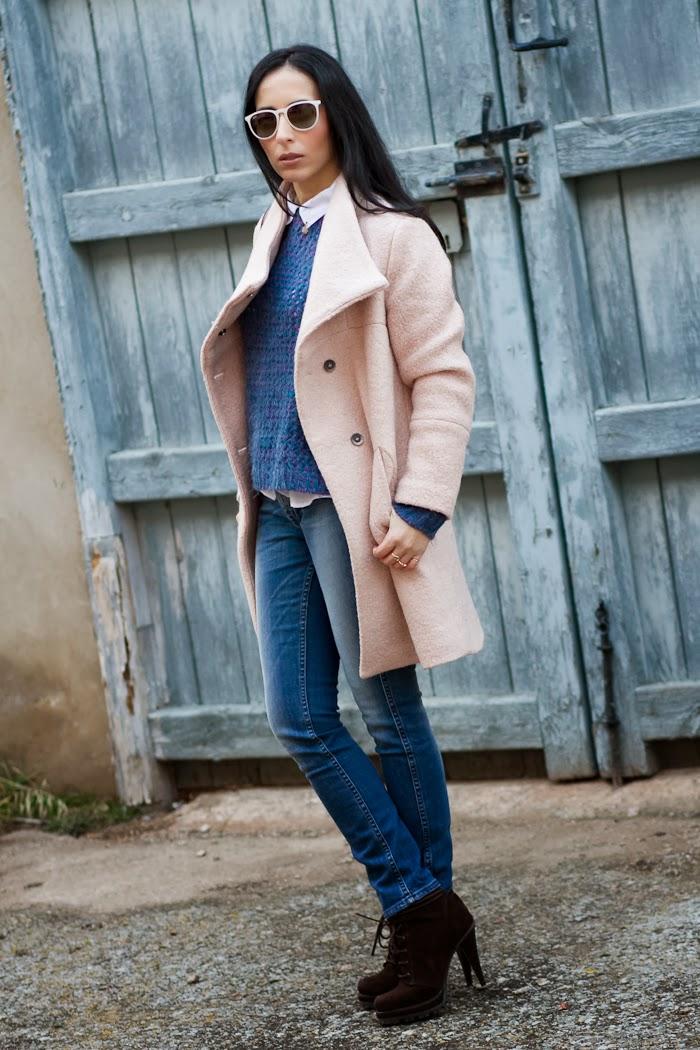 Blog de Moda español look Abrigo Rosa Palo con jeans Meltin Pot en un look casual