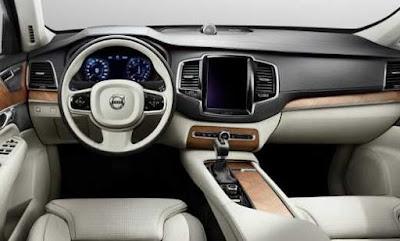 2017 Volvo S60 interior