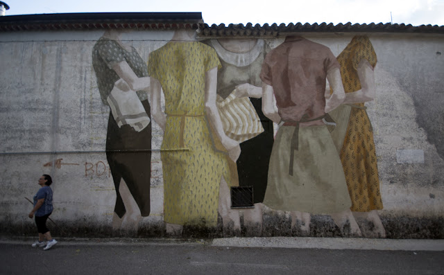 Our friend Hyuro is currently in Italy for the Fate Festival where she was invited to create a new piece somewhere on the streets of San Potito Sannitico.