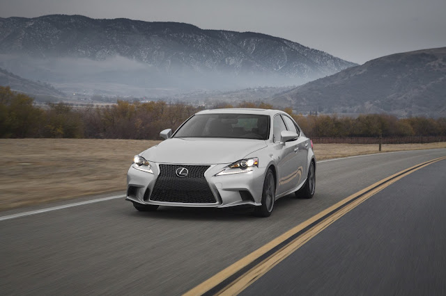 2016 Lexus IS350 F-SPORT front view