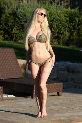 Heidi Montaq shows off her sexy body in gold bikini photoshoot