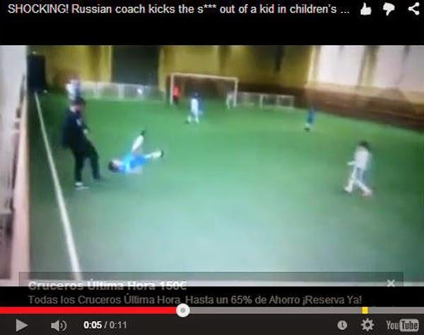 Una cruel patada en  Rusia de un entrenador de fútbol a un alevín