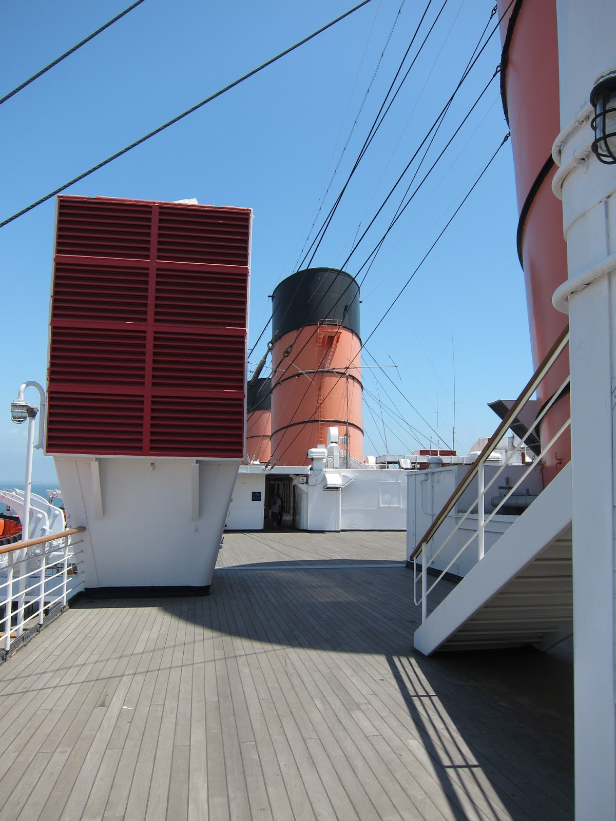 queen mary ship deck