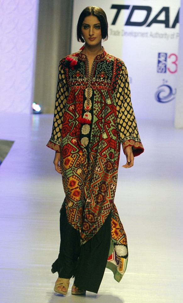 Latest winter dresses for Pakistani girls comprises of all the latest creations of highly talented and artistic designers from Khaadi, Cross Stitch, Gul Ahmed and Shariq Textiles. Prepare yourself to be amazed by their latest winter collection