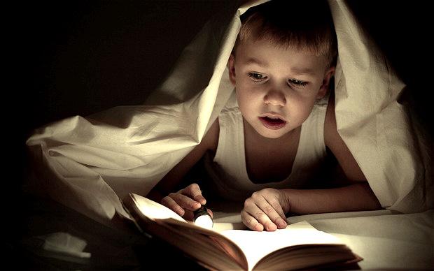 Como Incentivar Seus Filhos a Lerem Livros