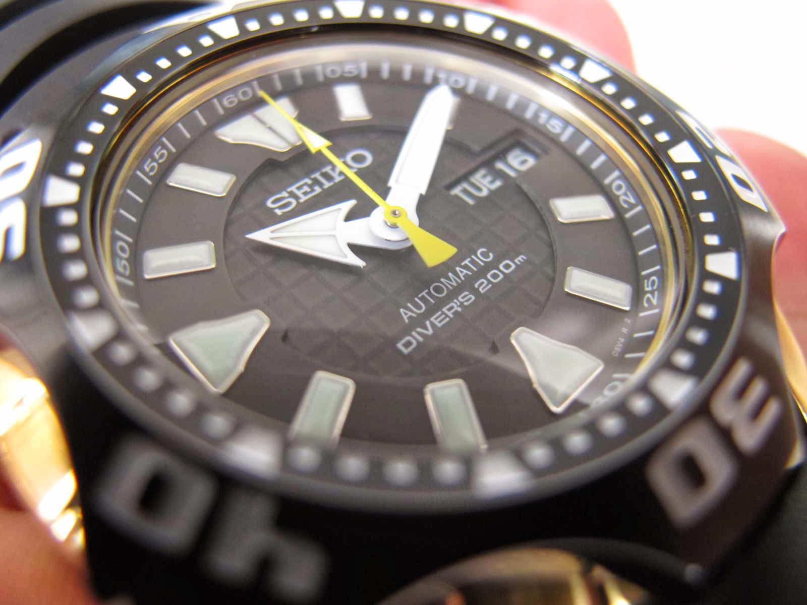 Cocok untuk Anda yang sedang mencari jam tangan Japan Diver made Dengan bentuk yang unik STARFISH