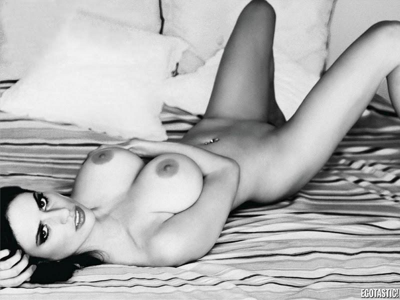 ferrari nude Paula