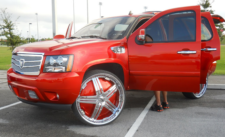 "Chevy Tahoe on 30"" Dub Delusion Floaters"