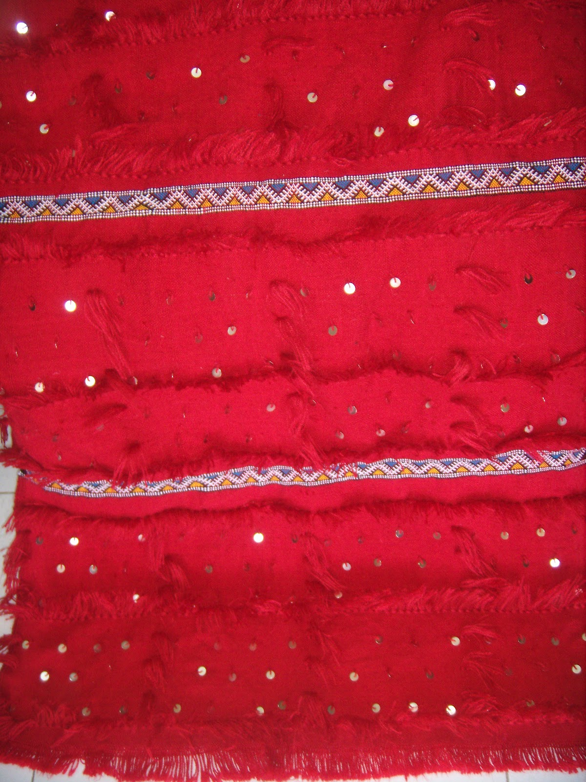 merycarpet handira rouge jet de canap. Black Bedroom Furniture Sets. Home Design Ideas
