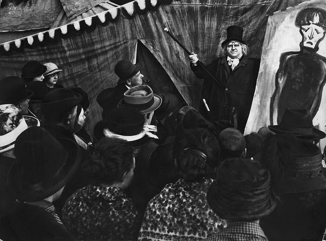 the cabinet of dr caligari The cabinet of dr caligari illustrates something more eternal: about great manipulators, and the underlying anxiety that either society has gone mad, or we have.